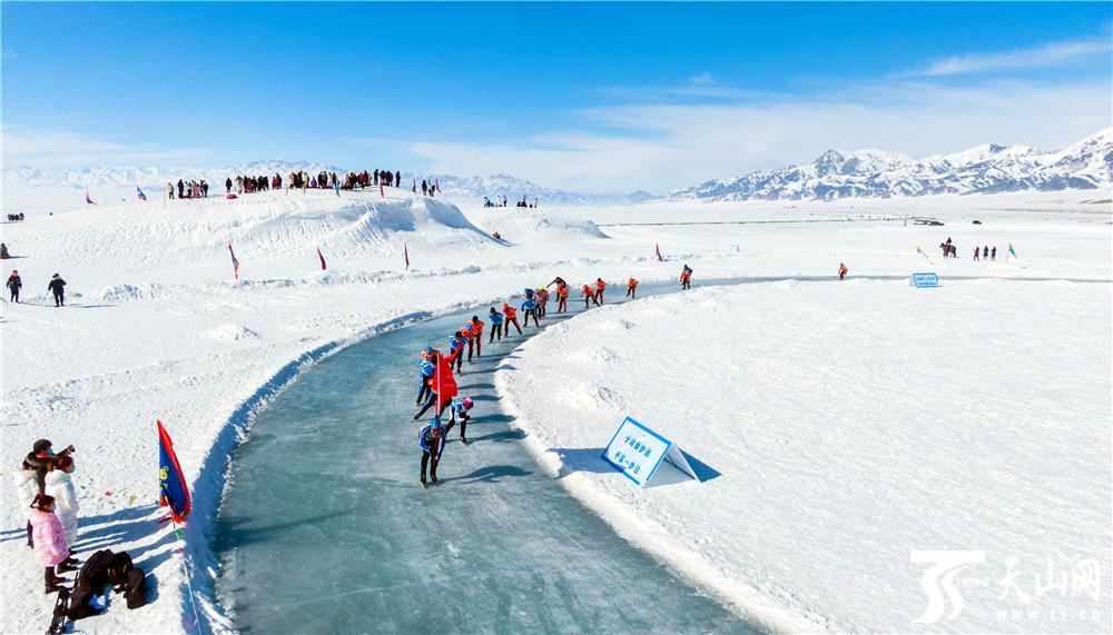 【高清组图】新疆赛里木湖:冰雪旅游
