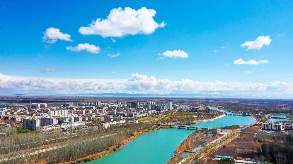新疆博湖:春雨之后 小城如画