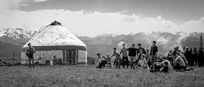 《歌声的翅膀》:美丽新疆的幸福生活