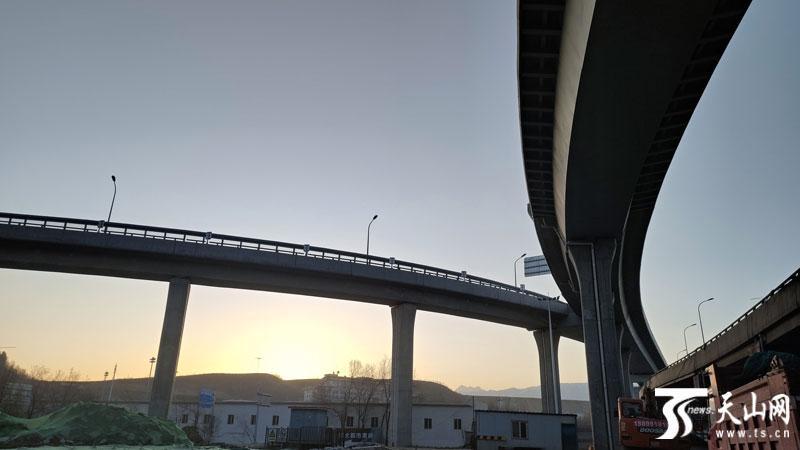 4月15日全疆大部地区晴好 乌鲁木齐市最高温19℃