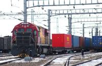 新疆铁路双口岸累计开行中欧班列突破2万列