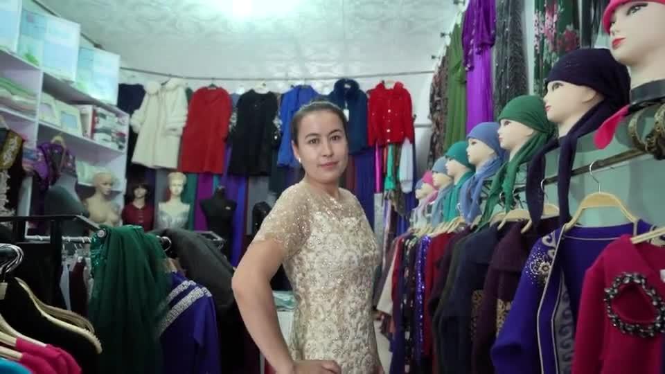"""这里是新疆   小城里的""""米兰时装秀"""""""