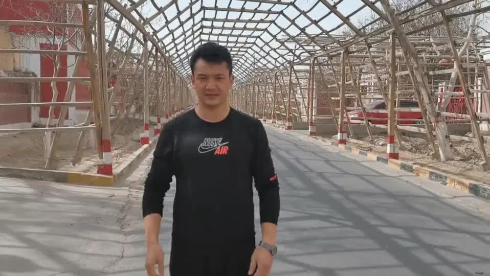这里是新疆   巴格其镇千里葡萄长廊
