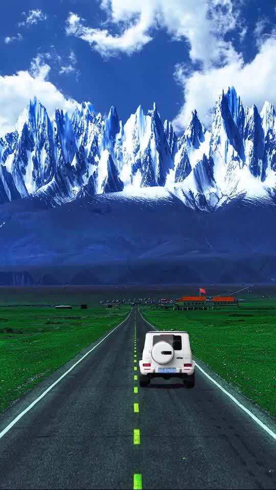 这里是新疆丨行驶在路上